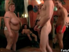 Slim guys blown by bbw party girls movies at find-best-ass.com