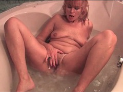 Old babe in the bathtub masturbates solo movies at lingerie-mania.com