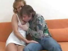 Pretty hot mom with young boy    724adult com movies at kilogirls.com