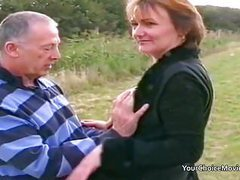 Older mature couple risky outdoor sex tubes