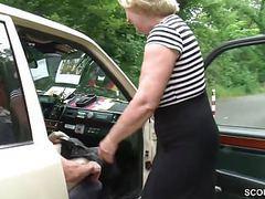 Mutti ist taxifahrerin und fickt gerne mal mit ihren kunden videos
