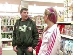 Von fremden im supermarkt angesprochen und gefickt movies