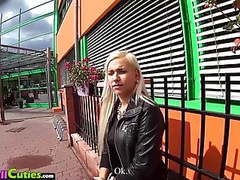Mallcuties -czech girls on public - public sex movies at freekilomovies.com