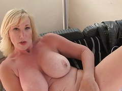 Mature sex bomb with amazing body videos
