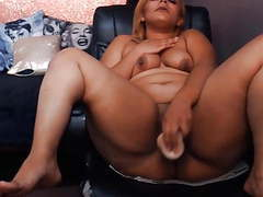 Ebony lucious peaches who has a enormous ass that claps videos