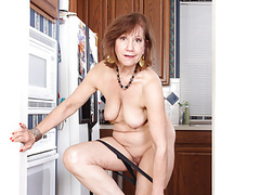 American gilf penny gets busy in the kitchen videos