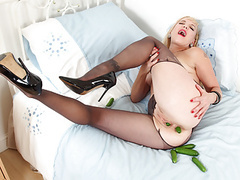 English milf mouse does perverted things with cucumbers movies at freekiloclips.com