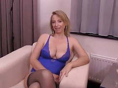 Mature blonde milf se faire baiser movies at find-best-videos.com