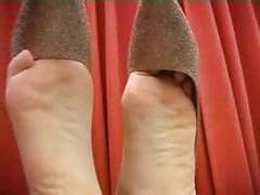 Pip show asian barefeet soles posing movies at find-best-ass.com