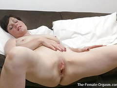 Milf bates big pussy lips to two groaning pulsing orgasms tubes