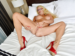 Canadian milf bianca masturbates with curtains wide open movies at find-best-lingerie.com