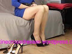Crossdresser faustine blue dress fitting high heels tubes