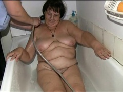 Nurse gives chubby old lady a bath videos