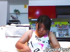 Live cam with japanese babe shaving off her pubes for us movies