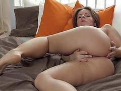 Chubby  girl masturbates movies at freekiloclips.com