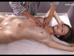 Jeniffer being first time virgin massaged movies at freekilomovies.com