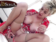 Lady sonia gets off with her new vibrator movies at find-best-ass.com