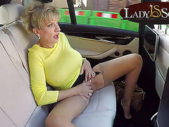 Lady sonia masturbates while driving around town tubes
