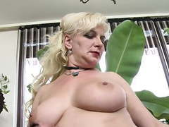 Chubby mature wife feeding her pussy movies at kilogirls.com