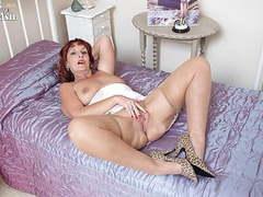 Dirty talking milf strips masturbates in girdle nylons heels movies