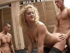 Anastasia conducts a quartet videos