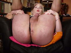 Hannah enjoying fat dildo showing gaping muscle asspussy videos
