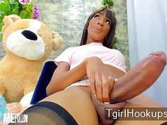 Tranny slut 25 movies at freekiloclips.com