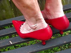 Mature woman sexy veiny and comb bony feet videos