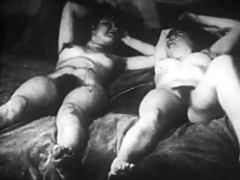 Les 2 roses 1920s' soft lesbian sex movies