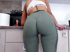 Round ass thigh gap big hips bigtits videos