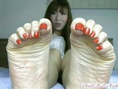 Beautiful japanese feet with long toes and sexy bunions movies at freekilosex.com