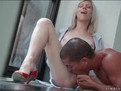 Cute blonde beauty sucks a big cock videos