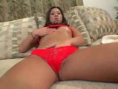 Butt plug warms up this asian asshole tubes at thai.sgirls.net