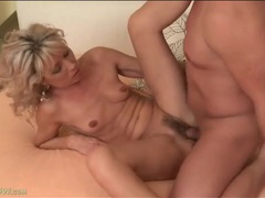 Milf blows him and gets fucked hardcore tubes