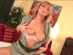 Curvy milf with stomach scar fondled lustily movies at kilopics.net