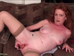 Milky white mature masturbates cunt with toy videos