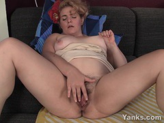 Bbw hoe poppy fingering her hairy twat videos