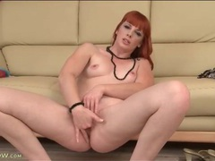Sexy solo redhead milf fingers pink pussy videos