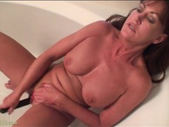 Masturbating mature squirts over and over videos