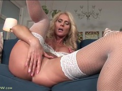 Horny mature in fishnet stockings masturbates videos