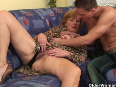 Granny gets her hairy pussy fucked deep clip