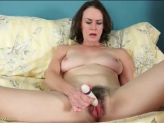 Hairy pussy veronica snow masturbates vagina videos