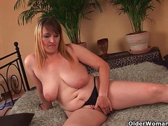 Big boobed mom enjoys his fist and cock in her mature pussy videos