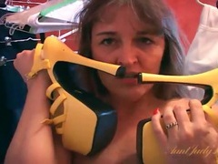 Fat girl pleasures pussy with her high heels videos
