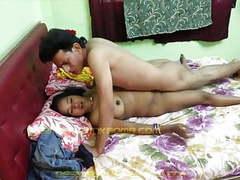 Desi bhabhi movies at freekiloporn.com