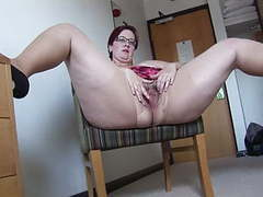 Busy mature bbw in mini skirt rips her pantyhose and spreads,  videos