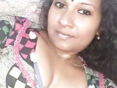 Trichy cheating housewife showing nude body to her friend,  movies at freekiloporn.com