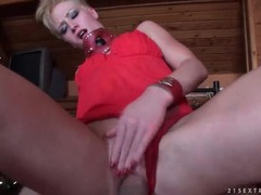 Slut in thick leather collar has pov sex videos