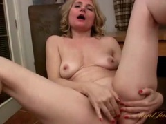 Solo mature toys her shaved pussy tubes