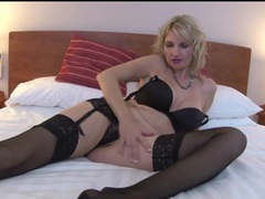 Big boobs milf models black lingerie in hotel room movies at kilotop.com